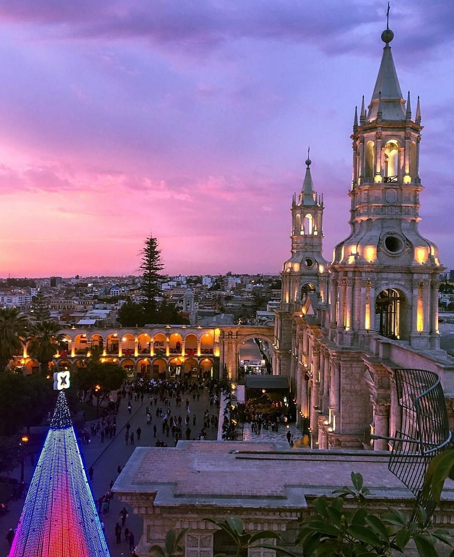 Atardecer en la ciudad de Arequipa