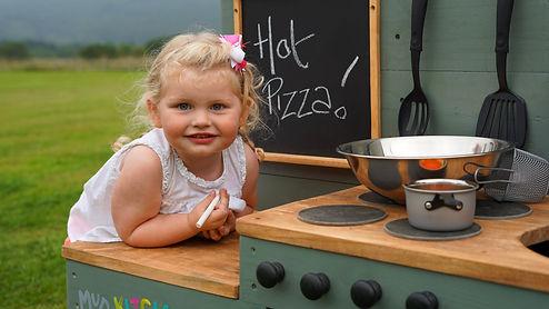 MV Girl hot pizza.jpg
