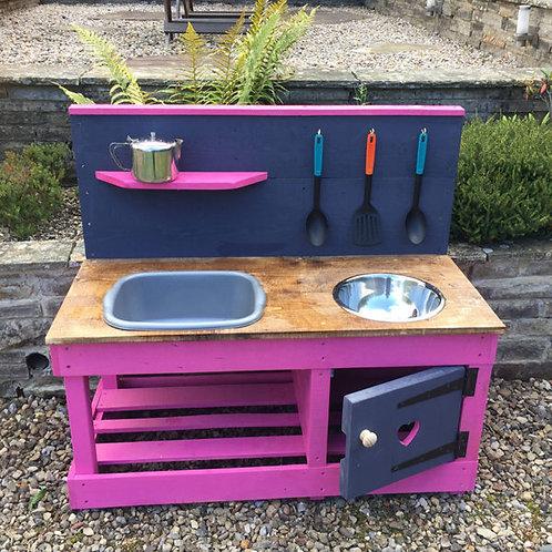 Poppy Mud Kitchen