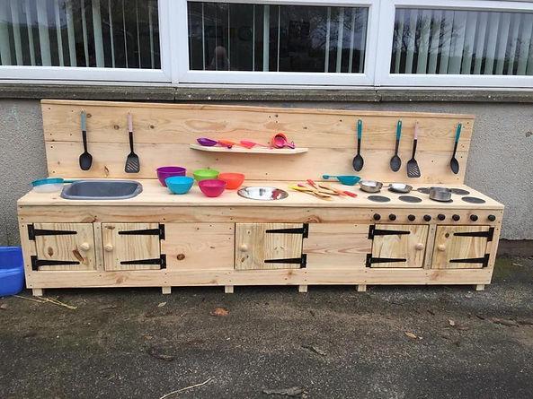 Large School Mud Kitchen.jpg