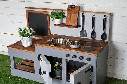 Gracie Mud Kitchen