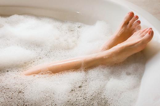 Feetinbathtub.jpg