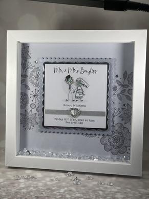 Button wedding frame