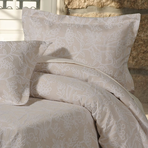 Image of bed with Arley duvet cover and pillowcases