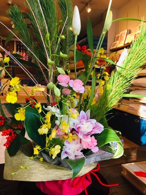 母上作お正月の生け花