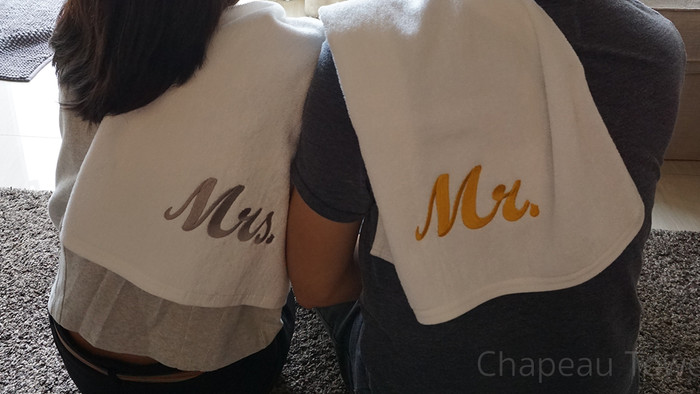 ผ้าเช็ดผมปัก Mr.&Mrs.