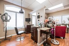 Salon Treuvís Studio Suites