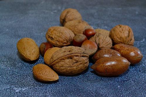 Gemengde noten in dop