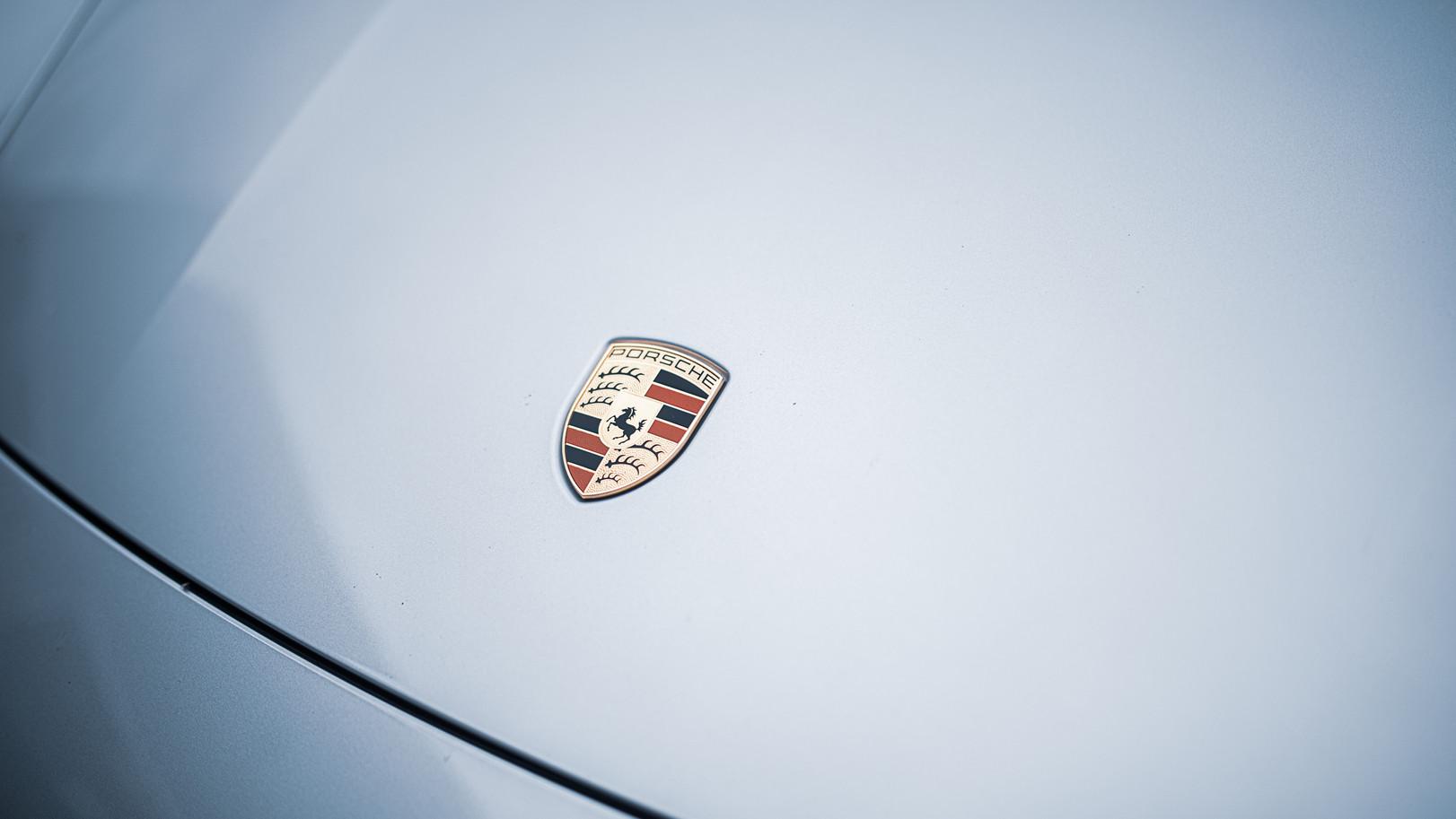 BSA Porsche Taycan (24).jpg