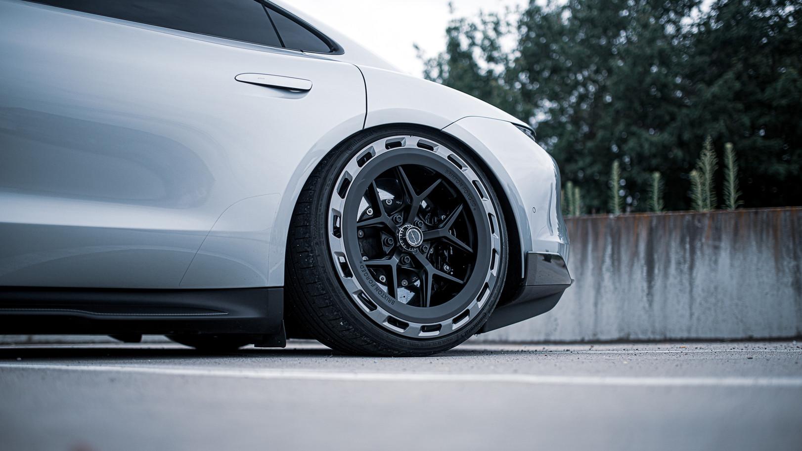 BSA Porsche Taycan (30).jpg