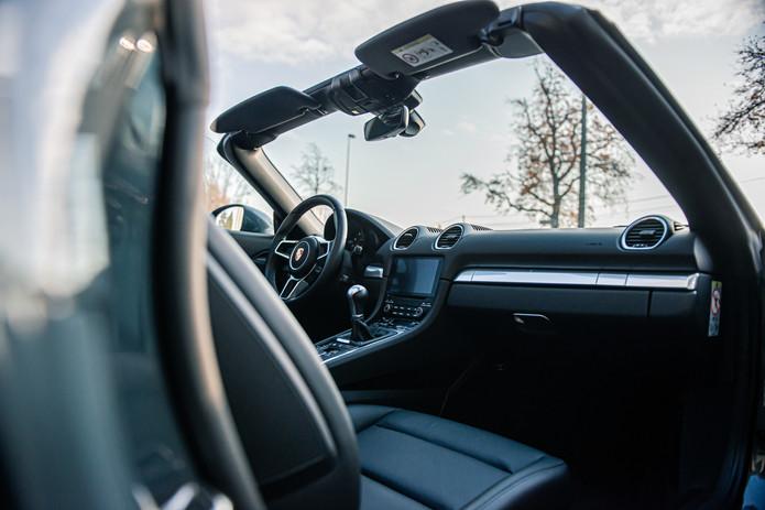 Porsche 718 Cabrio (43).jpg