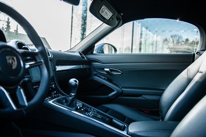 Porsche 718 Cabrio (27).jpg