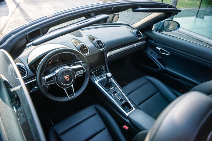 Porsche 718 Cabrio (37).jpg