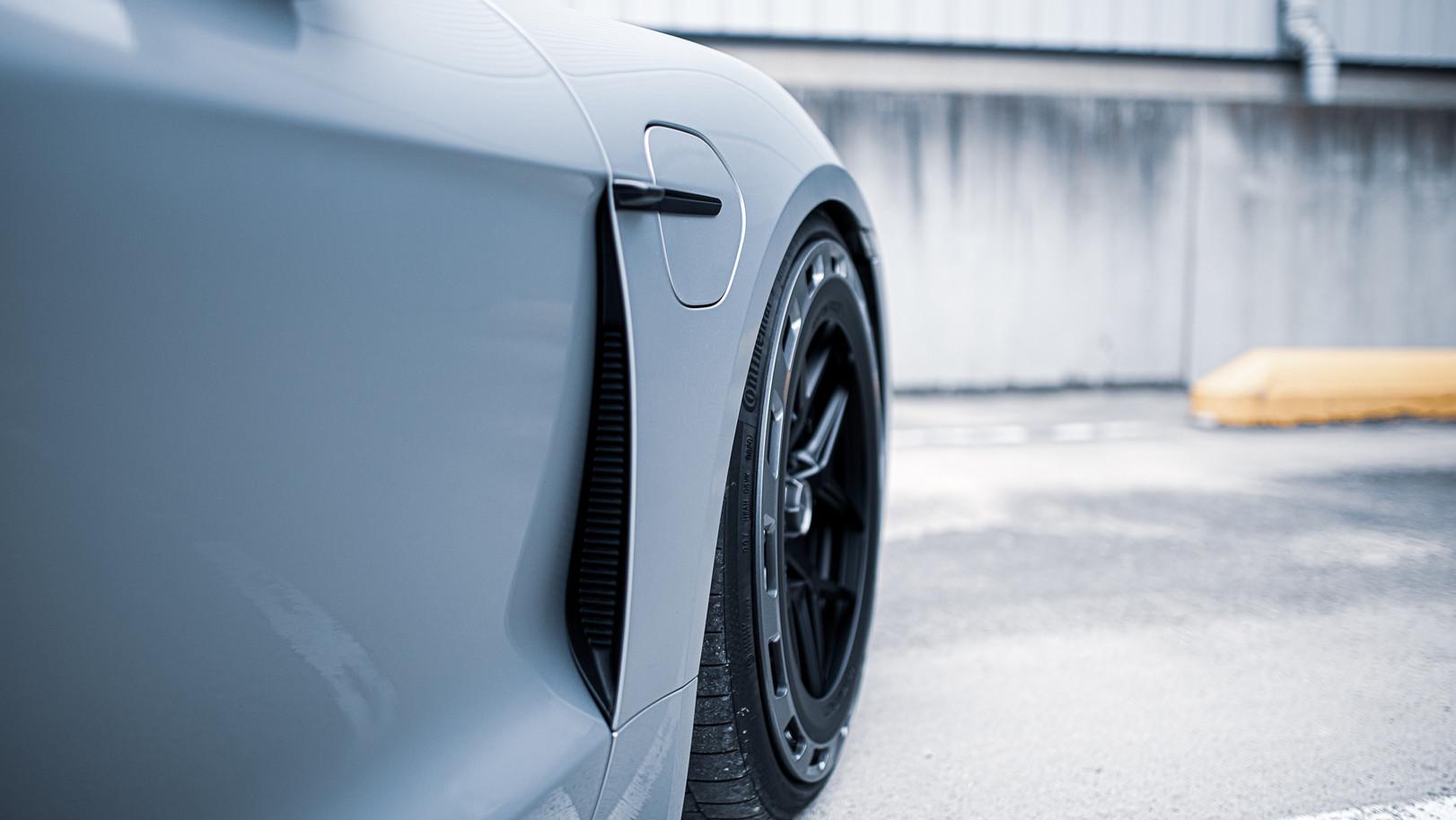 BSA Porsche Taycan (20).jpg