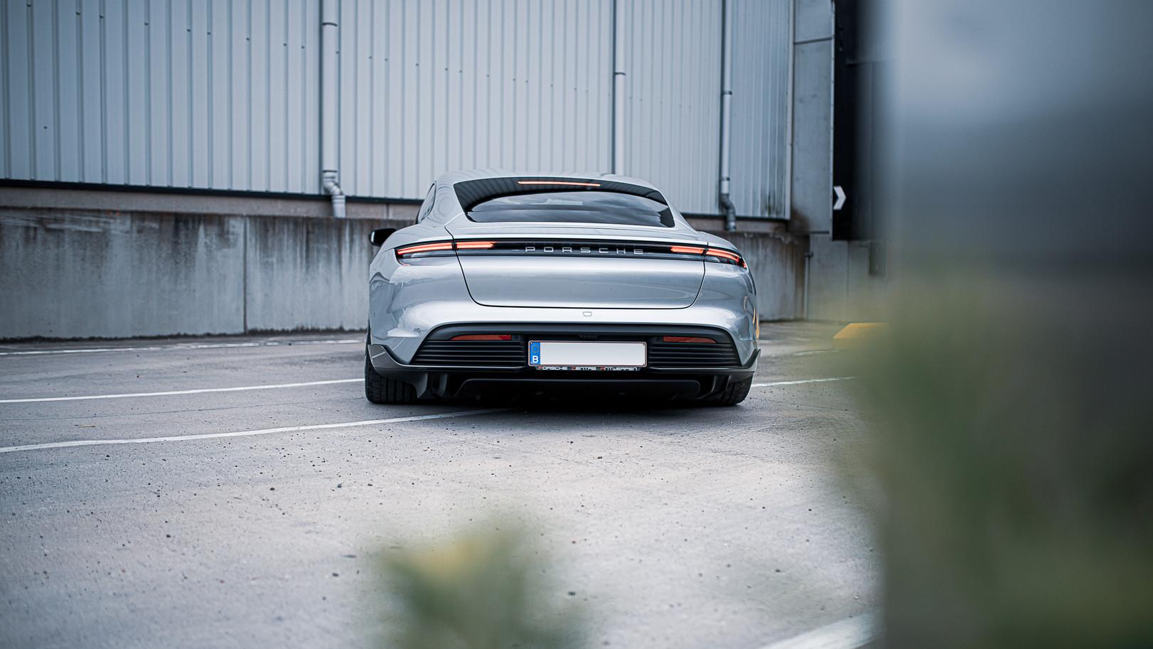 BSA Porsche Taycan (34).jpg