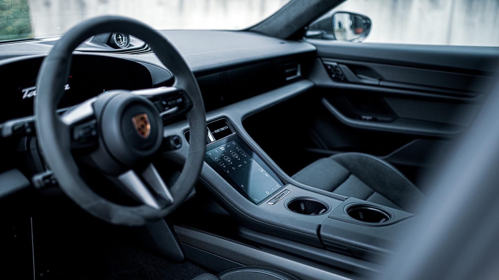 BSA Porsche Taycan (48).jpg