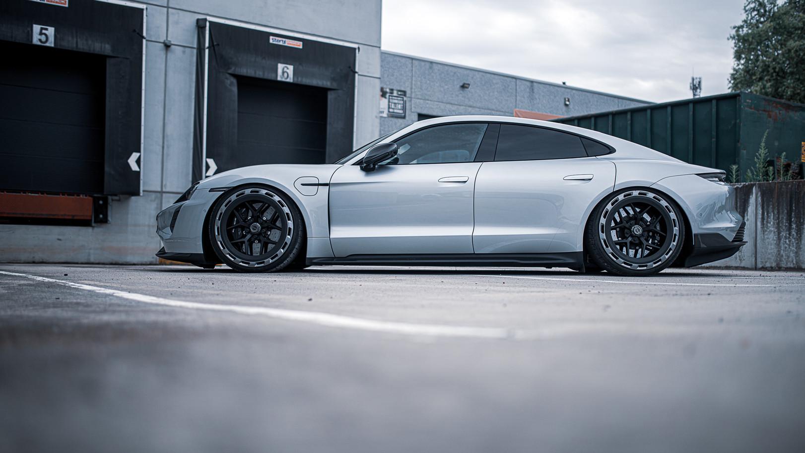 BSA Porsche Taycan (28).jpg