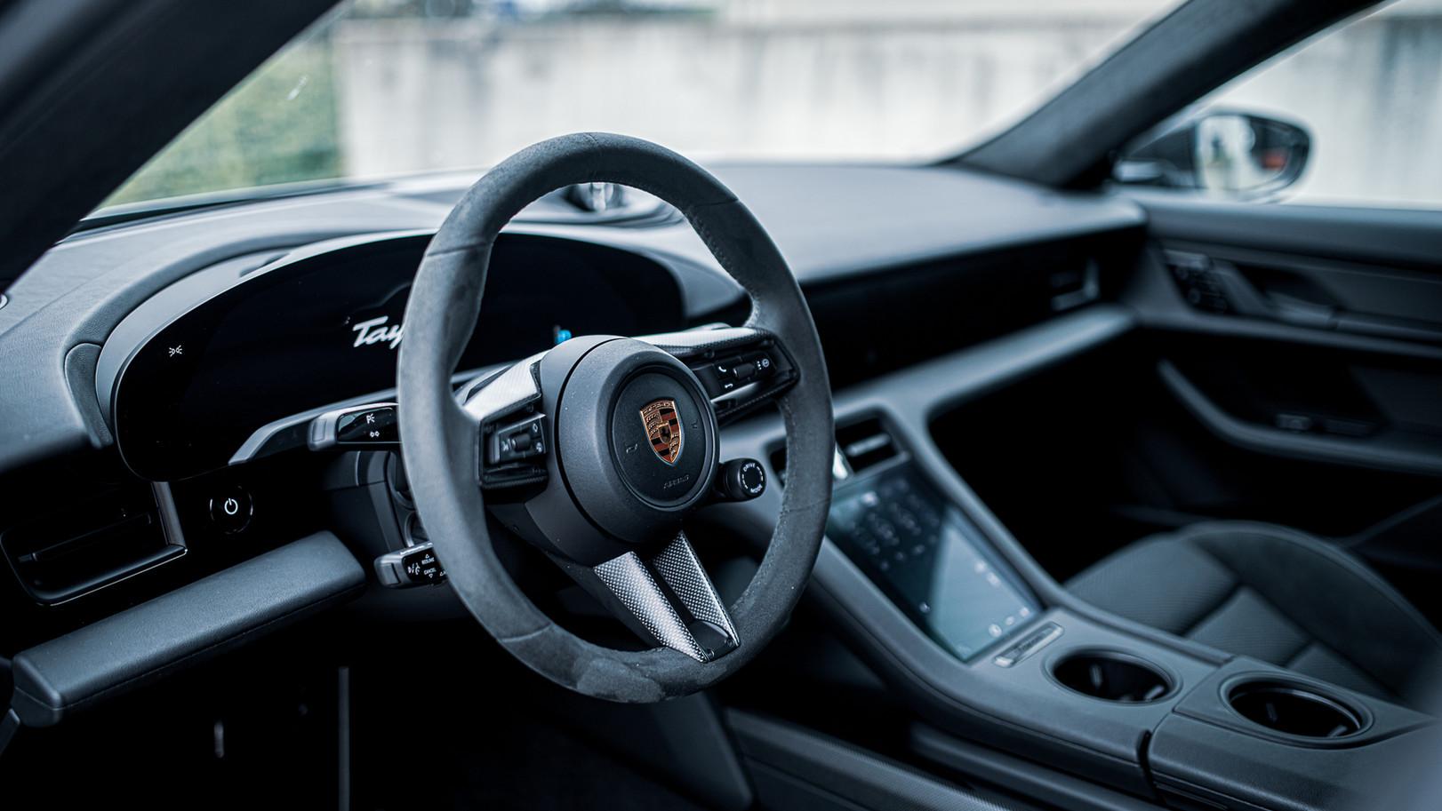 BSA Porsche Taycan (49).jpg