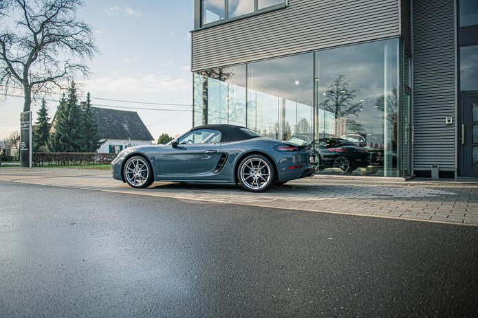 Porsche 718 Cabrio (4).jpg