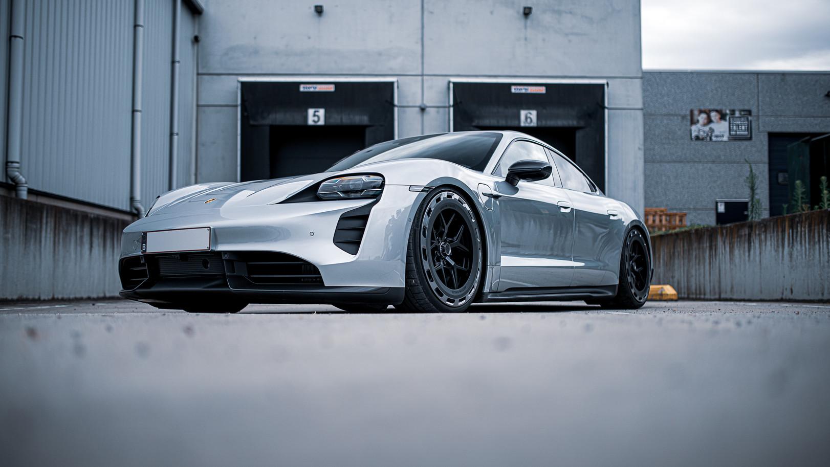 BSA Porsche Taycan (41).jpg