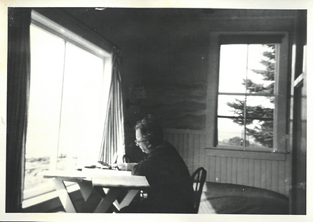 Burger Composing by window B&W.png