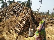 Damged huts odisa cyclone.png