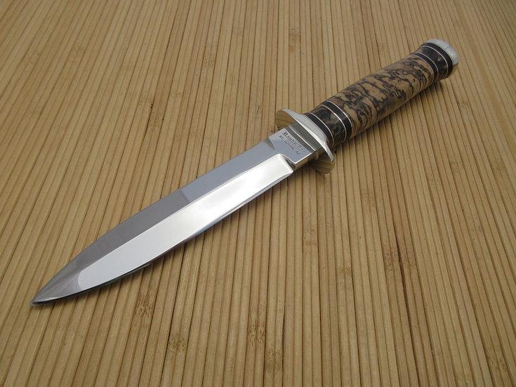 Spaulted Hackwood Dagger