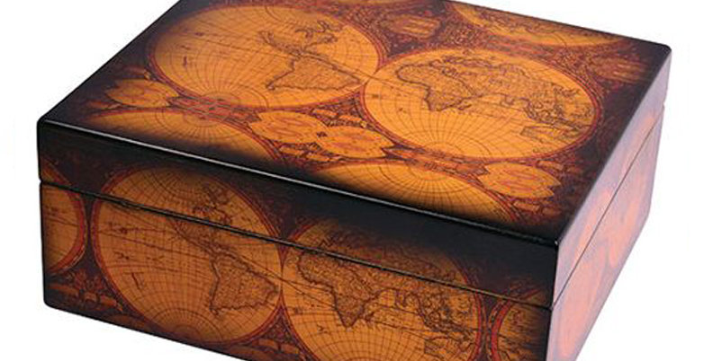 Small Map Old World Humidor - 25 Capacity