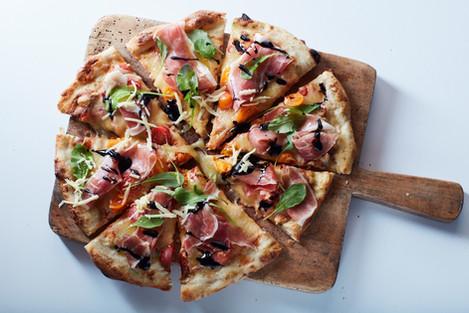 Tomato, Prosciutto & Rocket Pizza