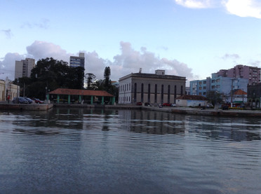 Vista das Docas do Mercado e Biblioteca Rio Grandense.