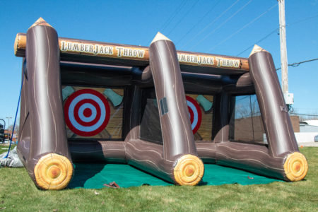 Lanza Hachas Inflable - Axe Throwing Inflatable
