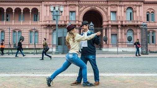 Tango-Argentina-3386084_edited.jpg