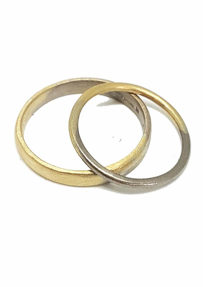bi colour wedding rings.jpg
