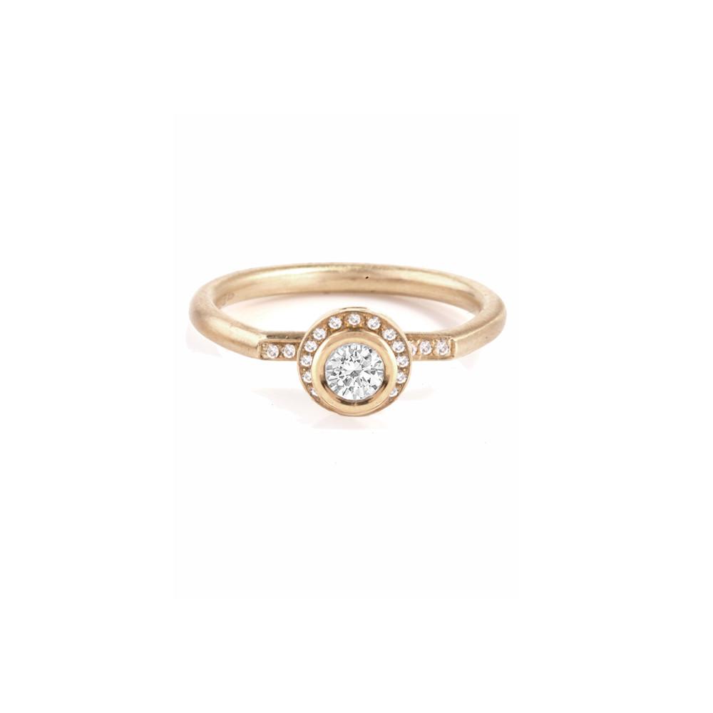 'Tesselatte' halo ring