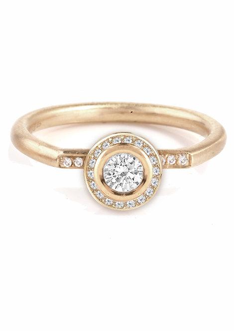 'Tesselatte' brilliant shoulder ring