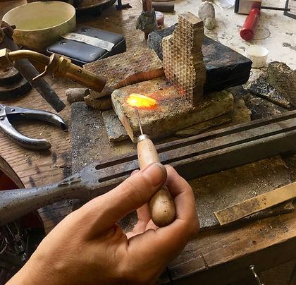 make jwellery london, jewlelery workshops london, make your own wedding rings, places to make your own wedding rings, goldsmith, jewellers studio,