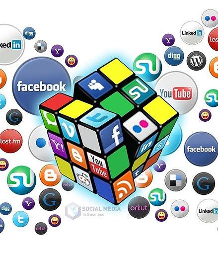 Médias sociaux_edited.jpg