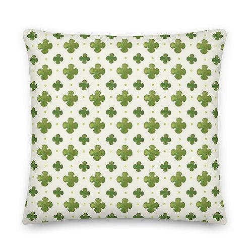 Forestyne - A classic quatrefoil pattern Premium Pillow