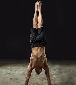 10 Reasons to Practice Handstand