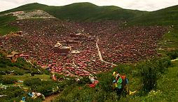 מבט על עיר הנזירים סדה, מערב סצ'ואן