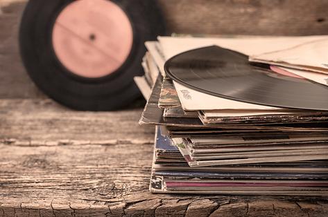 vinyl-records-793x526.png