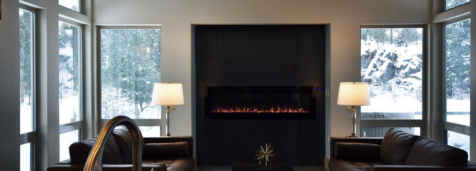 The Driftside Retreat @whiteravenvenue - Fireplace