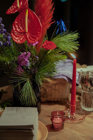 xmas party HAY candle festive flowers tinsel event design berlin