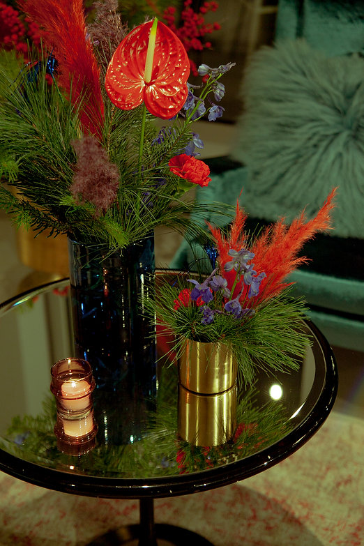 xmas flowers tinsel pampas grass red candles event design berlin