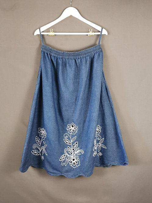 Embroidered Flowers Skirt