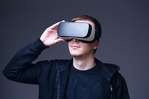VR shutterstock_386704444.jpg