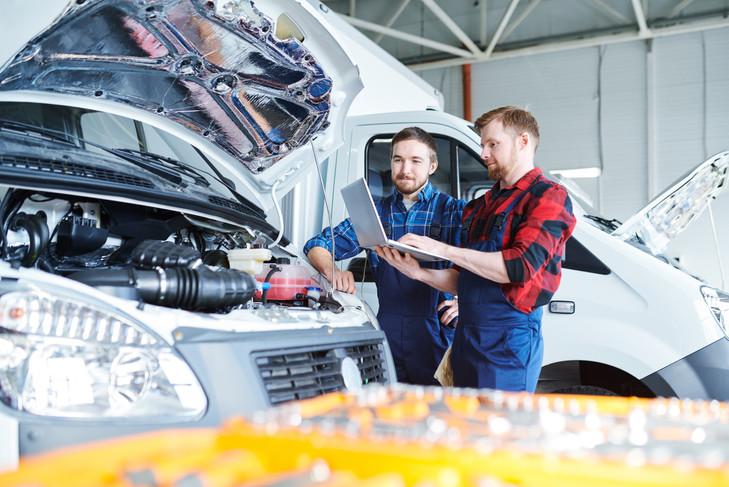 car-repair-service-JWYSBRX.jpg