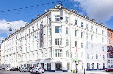 Absalon Hotel exterior.jpg