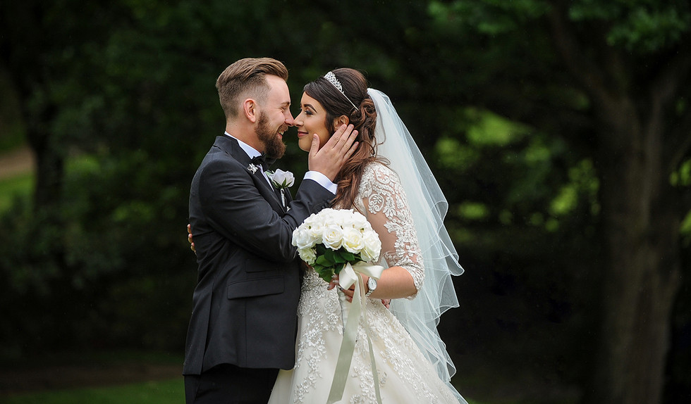Stoke_by_Nayland_Hotel_Wedding_Venue_Suffolk_wedding_photographer