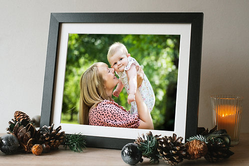 Portrait Gift Voucher - Framed 10 x 8 Print & Digital Images